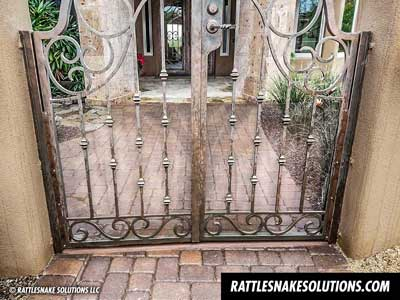 rattlesnake fence courtyard gate installation